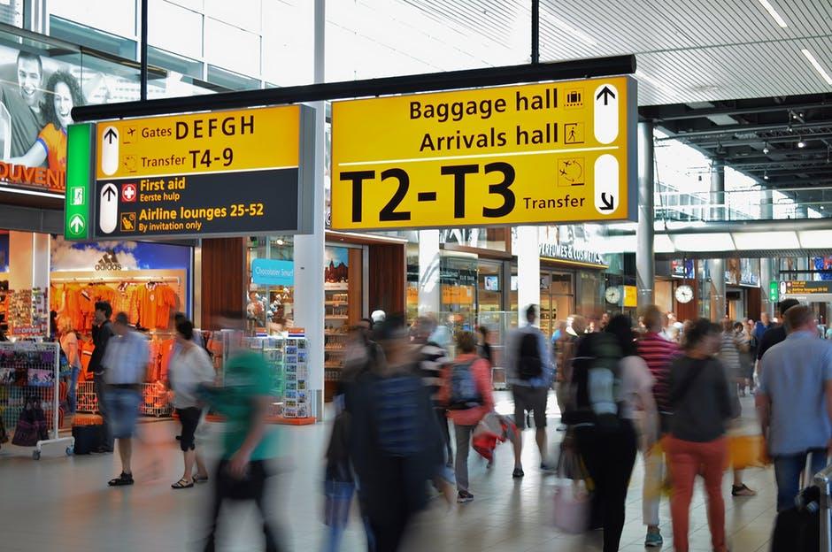 a1ccb946aae7 Ayuda al viajero  Qué hacer durante una escala en el aeropuerto de Barajas